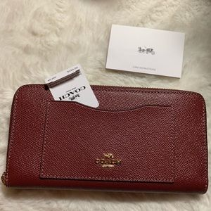 New COACH wallet beautiful color leather